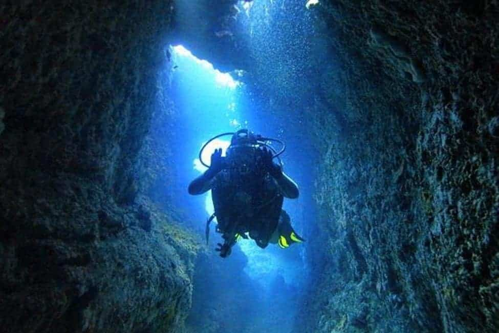 fortizza_reef_cave_diving_malta