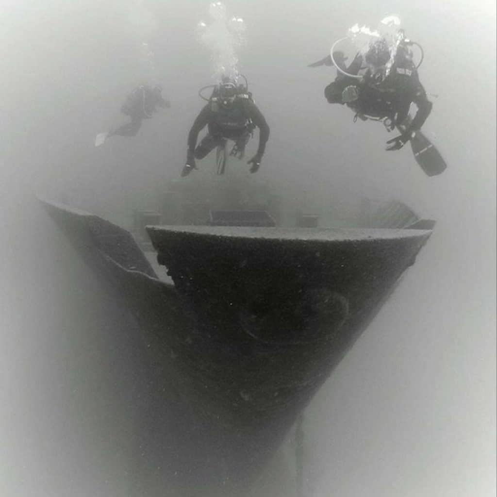 Wreck dive specialty
